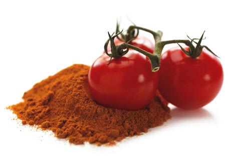 ماسك الكركم والطماطم لتفتييح وتبييض البشرة
