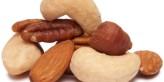 هل تفضل الكاجو أم اللوز؟ ومن هو الأكثر صحة لك؟