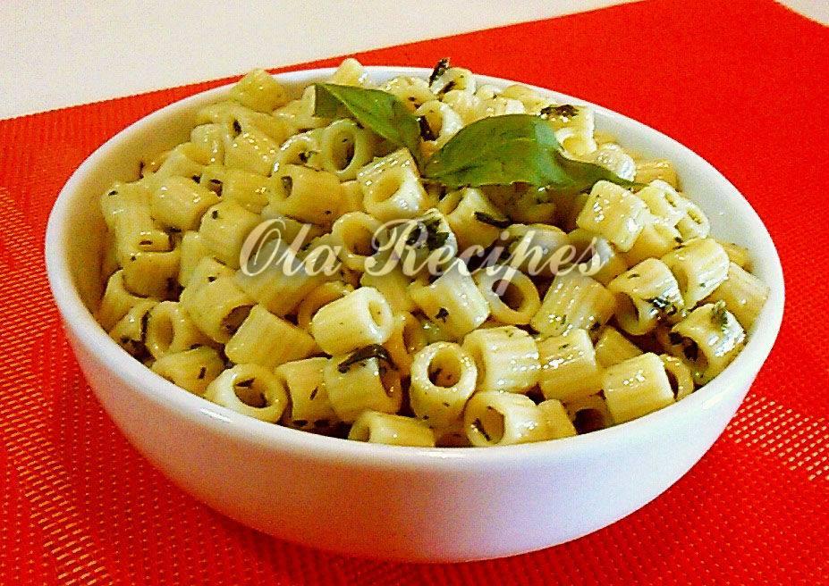 وصفة شهية للمعكرونة بصوص البيستو الإيطالي