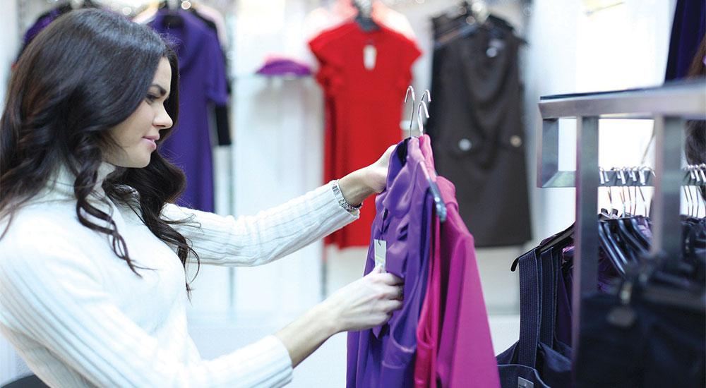 كيف اميز الملابس الجيدة عن الردئية قبل شراؤها