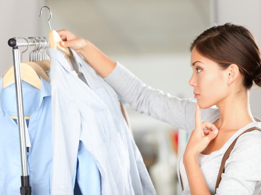 التعرف على نوعية و جودة الملابس من ملمسها