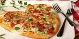 وصفة سريعة لعمل البيتزا الرومانسية على شكل قلب