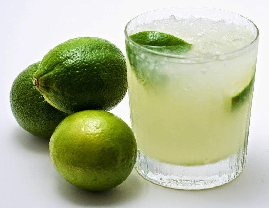 شرب الماء الدافئ و الليمون يساعد على إنقاص الوزن